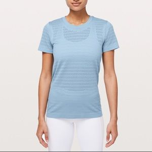 Lululemon Breeze By SS Cascade Blue